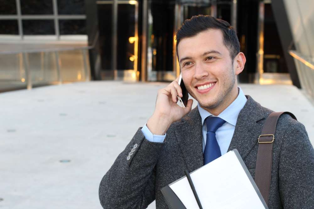 A Twin Cities lawyer using POPP's Unified Communications apps on the Cloud PBX